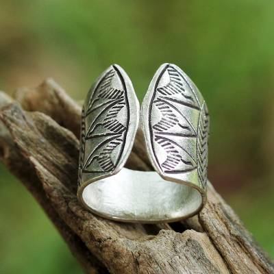 Sterling silver wrap ring, 'Tribal Spectacle' - Sterling Silver Wrap Ring with Printed Motifs from Thailand