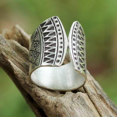 Sterling silver wrap ring, 'Groovy Style' - 925 Silver Wrap Ring with Geometric Motifs from Thailand