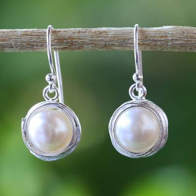 Cultured pearl dangle earrings, Pearl Radiance