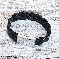 Leather wristband bracelet, 'Chiang Mai Fashion' - Handcrafted Black Leather Wristband Bracelet from Thailand