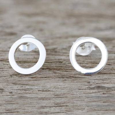Sterling silver stud earrings, 'Simple Circles' - Handcrafted Sterling Silver Stud Earrings from Thailand