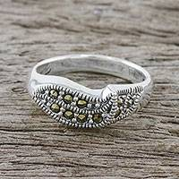 Sterling silver cocktail ring, 'Charming Glitter' - Marcasite-Paved Sterling Silver Ring from Thailand