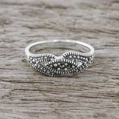 Marcasite cocktail ring, 'Eye of Secrets' - Sterling Silver Eye-Shaped Cocktail Ring from Thailand