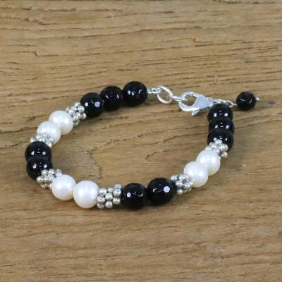 Onyx and cultured pearl beaded necklace, 'Magical Karen' - Onyx Silver and Cultured Pearl Bracelet from Thailand