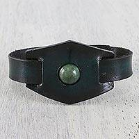 Men's agate and leather wristband bracelet, 'Agate Focus' - Handmade Agate and Leather Wristband Bracelet from Thailand