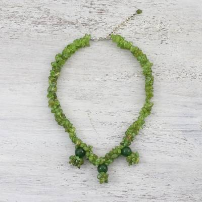 Peridot and quartz beaded choker, Verdant Roads