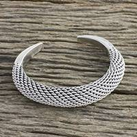 Sterling silver cuff bracelet, 'Rope Crescent' - Crescent-Shaped Sterling Silver Cuff Bracelet from Thailand