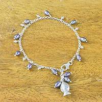 Cultured pearl charm bracelet, 'Gleaming Fish in Grey' (Thailand)