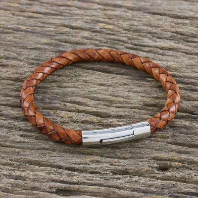 Leather braided bracelet, 'Magical Braid in Russet' - Light Brown Leather Braided Bracelet Crafted in Thailand