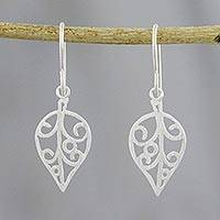 Sterling silver dangle earrings, 'Classic Leaf' - Handmade 925 Sterling Silver Leaf Dangle Earrings