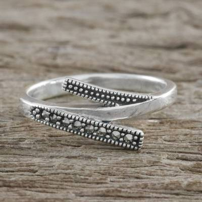 Thai Sterling Silver Faceted Marcasite Parallel Lines Ring