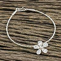 Silver beaded bracelet, 'Hill Tribe Daisy' - Floral Karen Silver Beaded Bracelet from Thailand