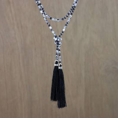 Agate beaded lariat necklace, 'Festive Holiday in Black' - Agate Beaded Lariat Necklace in Black from Thailand