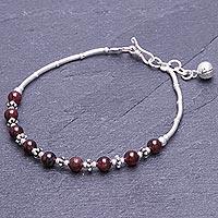 Garnet beaded bracelet, 'Classic Love' (Thailand)