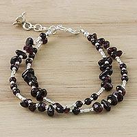 Garnet beaded bracelet, 'Velvet Sky' (Thailand)