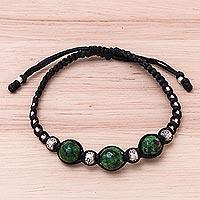 Agate beaded macrame bracelet, 'Uplifting Hill Tribe' (Thailand)