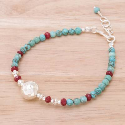 Magnesite and quartz beaded pendant bracelet, 'Moonlight Night' - Magnesite and Quartz Beaded Pendant Bracelet from Thailand