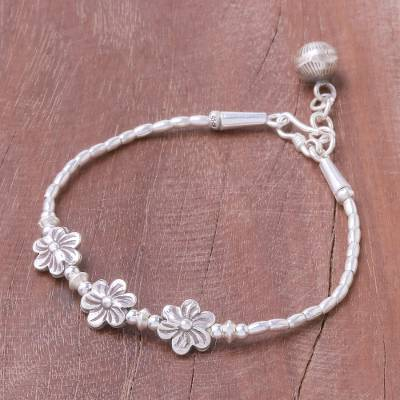 Silver beaded bracelet, 'Floral Music' - Floral Karen Silver Beaded Bracelet from Thailand