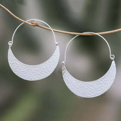 Silver hoop earrings, 'Patterned Crescent' - Hammered Karen Silver Hoop Earrings from Thailand