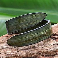 Leather wrap bracelet, 'Simple Caress in Green' - Modern Leather Wrap Bracelet in Green from Thailand