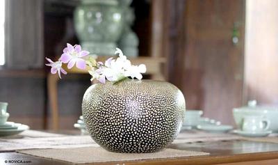 Unique Lacquerware Mango Wood Vase
