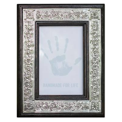 Repousse Wood Photo Frame (4x6)