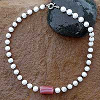 Pearl and agate strand necklace,