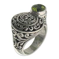 Peridot cocktail ring, 'Evergreen' - Handcrafted Sterling and Peridot Ring
