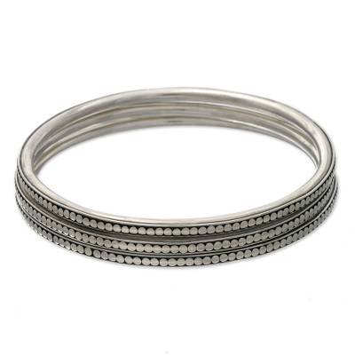 Sterling silver bangle bracelets, 'Moon Silver' (set of 3) - Sterling Silver Bangle Bracelets (Set of 3)