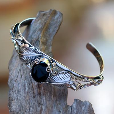 Onyx bracelet, 'Black Lily' - Floral Onyx Sterling Silver Cuff Bracelet