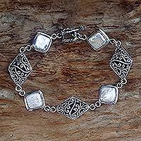 Pearl bracelet,