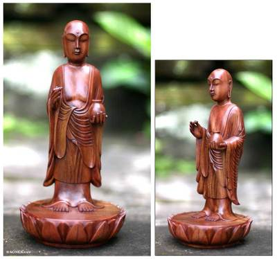 Wood sculpture, Buddhas Holy Blessing