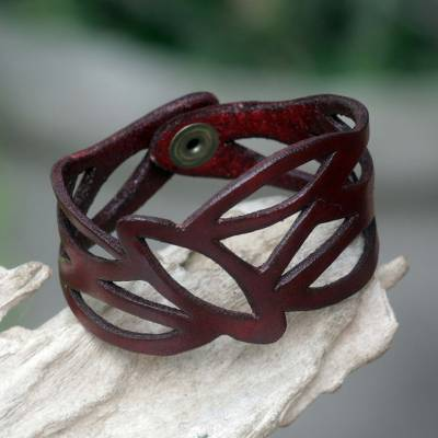 Leather wristband bracelet, 'Crimson Nest' - Floral Red Leather Wristband Bracelet