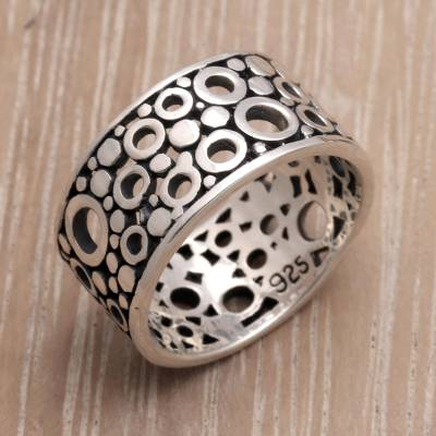 Men's sterling silver ring, 'Bubble Illusion' - Men's Handcrafted Sterling Silver Band Ring