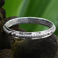 Sterling silver bangle bracelet, 'Circle of Life' (7.25 inch) - Hand Made Sterling Silver Bangle Bracelet (Medium)