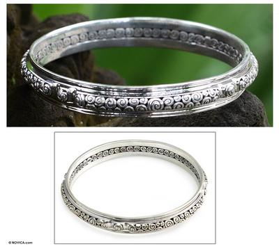 Sterling silver bangle bracelet, 'Circle of Life' (7.25 inch) - Hand Made Sterling Silver Bangle Bracelet (Medium)