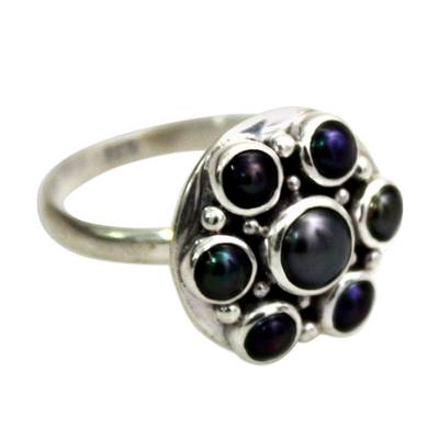 Pearl cocktail ring, 'Black Rose' - Handcrafted Silver and Pearl Flower Ring