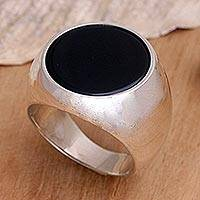 Men's onyx solitaire ring, 'Mystique'