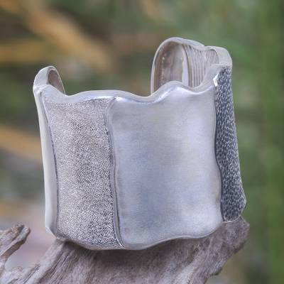 Silver cuff, 'Embrace the Earth' - Silver cuff