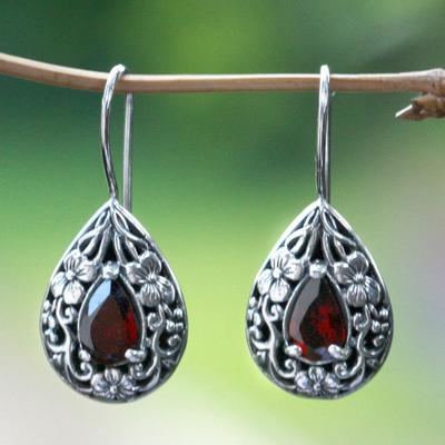 Garnet flower earrings, 'Lovely Daisies' - Floral Sterling Silver and Garnet Earrings