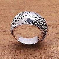 Men's sterling silver ring, 'Brave One'