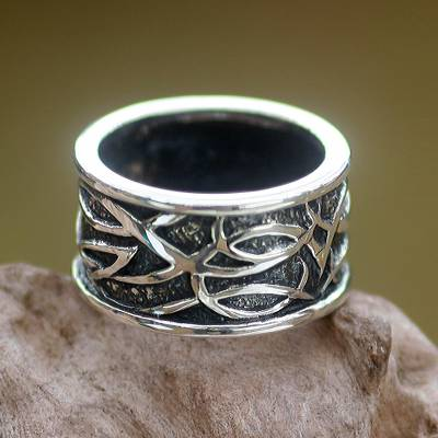 Sterling silver band ring, 'Jakarta Warrior' - Unisex Indonesian Sterling Silver Band Ring