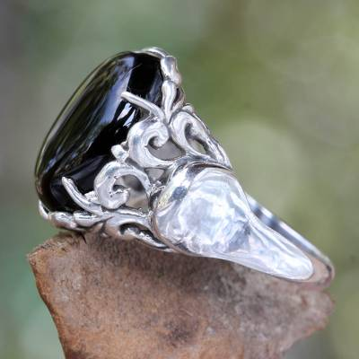 Onyx cocktail ring, 'Night Shadow' - Handcrafted Sterling Silver and Onyx Ring
