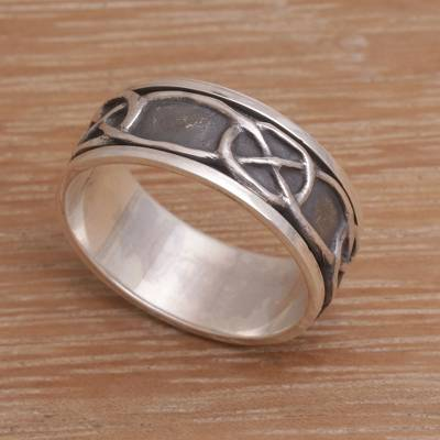 Men's sterling silver meditation spinner ring, 'Chains' - Hand Made Men's Sterling Silver Meditation Spinner Ring