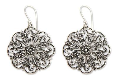 Sterling silver flower earrings, 'Gardenia Halo' - Floral Sterling Silver Dangle Earrings