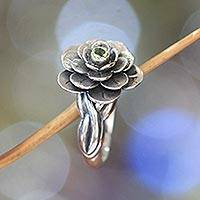 Peridot flower ring, 'Holy Lotus'