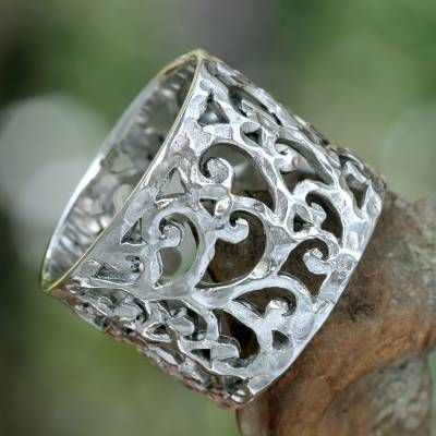 Sterling silver band ring, 'Exotic Bali' - Handmade Floral Sterling Silver Band Ring
