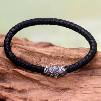 Men's braided leather bracelet, 'Aesthetics' - Men's Braided Leather Bracelet
