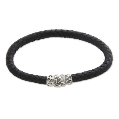 Men's braided leather bracelet, 'Aesthetics' - Men's Braided Leather Bracelet
