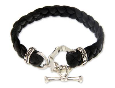 Men's leather braided bracelet, 'Groove' - Men's Hand Crafted Leather Bracelet